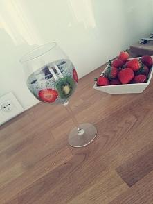Śniadanie chia i owoce :)
