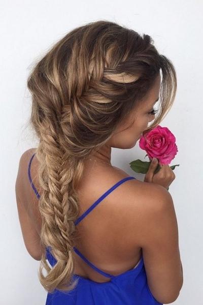 fryzura dla gości weselnych