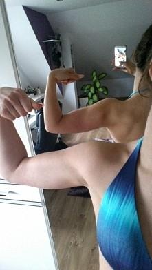 Delikatny zarys mięśni - to...