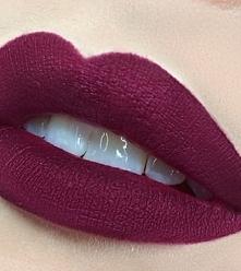 śliwkowa szminka <3