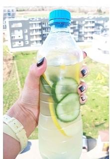 na dzień dobry zamiast kawki woda+ cytryna+ ogórek + mięta + troszkę miodu = ...