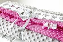 Posiadam do sprzedania nowy ręcznie szyty zestaw dla dziecka kołderka z poduszką.Komplet uszyty jest z tkanin bawełnianych i bardzo przyjemnej w dotyku tkaniny minky.Wymiary koł...
