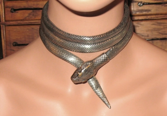1920s Silver Mesh Metal Serpent Necklace