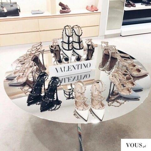 kupiłybyście buty Valentino?