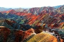 Tęczowe góry w Chinach..