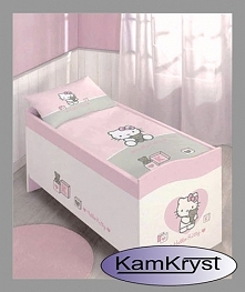 Pościel niemowlęca do łóżeczka z uroczą kotką Hello Kitty - rozmiar pościeli 100x135 cm 100% bawełna.