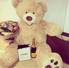 chce tak na urodziny <3 wystarczy miś i kwiaty :D