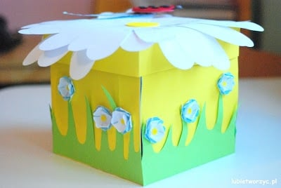 """Pudełko (exploding box)wykonane na konkurs plastyczny: """"Mamo, mamo, dam ci łąkę!"""" :)"""