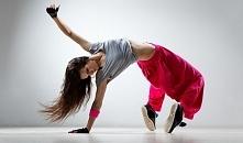 Odchudzanie w rytmie tańca. Przyjemny i skuteczny sposób na zrzucenie wagi i dużą dawkę endorfin. Zobaczcie zestawienie najlepszych odmian tańca do odchudzania.