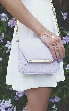 Pastelowa fioletowa torebka. Cudowny kolor, mój ulubiony!