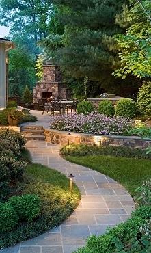 Zobacz i zainspiruj się! Zaprojektuj piękny ogródek przed domem i romantyczną alejkę wśród zieleni i drzew jako dojście do domu! Bo najpiękniejsza zieleń to zieleń przemyślana -...