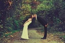 <3 Buziak po ślubie smakuje najlepiej:) Zobacz nasze zdjęcia -> lovefotografia.pl