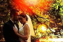 Romantyczne, pełne miłości zdjęcia ślubne. Jeśli spodobały Ci się nasze zdjęcia, daj znać:) -> lovefotografia.pl