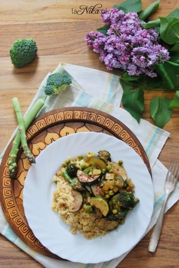 Zdrowy obiad z kaszy bulgur i zielonych warzyw. Zaprasza po przepis po kliknięciu w zdjęcie :)