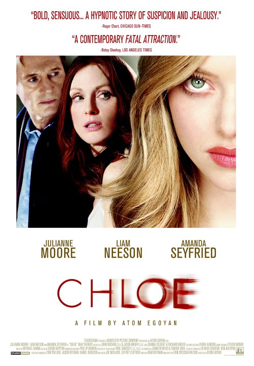 Chloe. Catherine ma wszystko. Jest piękna, utalentowana, odnosi sukcesy zawodowe. Pewnego dnia zaczyna podejrzewać, że jej mąż David ją zdradza. Chcąc sprawdzić jego wierność, wynajmuje luksusową prostytutkę. Pełna uroku, tajemnicza dziewczyna o imieniu Chloe ma uwieść Davida. Planując erotyczną intrygę, Catherine nie spodziewa się, że sama wpadnie w jej sidła...