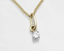 Naszyjnik z diamentem.