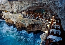 Hotelowa restauracja Grotta Palazzese, Włochy