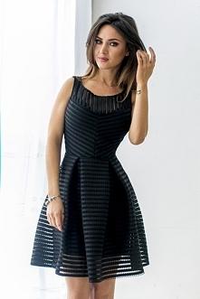 Czarna sukienka z siatką