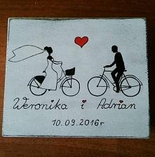 Szkatułka ręcznie malowana na zamówienie Weroniki i Adriana. :) Nietypowa forma zaproszenia dla wyjątkowych gości. :) w środku informacja odnośnie daty ślubu. Jak Wam się podoba?
