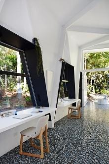 Nowoczesne biuro to biuro domowe - zobacz jak wygląda biuro, które powstało w...