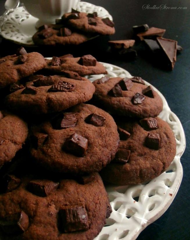 pyszne ciasteczka czekoladowe,przepis po kliknięciu w zdjęcie,polecam <3