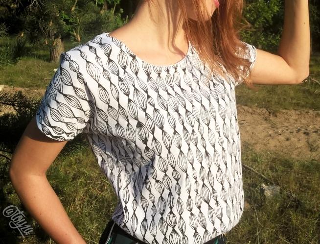 Ręcznie malowana koszulka, tył i przód; 100% bawełna; Na zamówienie, zapraszam ;)