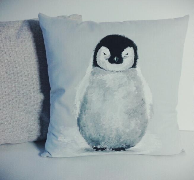 RĘCZNIE MALOWANA poducha pingwinek HANDMADE by PassionArts ;)