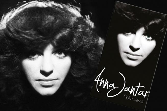 """Anna Jantar – Wielka dama – reedycja jubileuszowego, ekskluzywnego, 4-płytowego albumu wydanego w 2010 roku, zawierająca 60 utworów – zarówno tych niezapomnianych, jak również zupełnie nieznanych, nagranych dla zagranicznych rozgłośni radiowych, tj.: """"Man tanzt nicht nur im Sommer"""", """"Dancing In Your Arms"""", """"He"""", """"Musikanten"""", """"Czas jest złotem""""."""