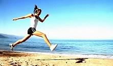 Zobaczcie jak bieganie może poprawić jakość życia. Już jeden trening biegowy w tygodniu przynosi wymierne efekty. Przeczytaj dlaczego:
