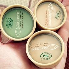 Kremy korygujące Couleur Caramel, czyli korektorki w kółeczku to nasze perełki niezastąpione :) 5 odcieni 100% pochodzenia organicznego + 1 zielony do kamuflowania rumienia :)