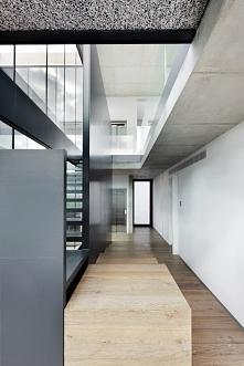 Nowoczesne wnętrze luksusowego domu Costa d'en Blanes - zainspiruj się! ...