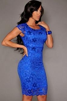 Koronkowa mocno niebieska sukienka na wesele, poprawiny
