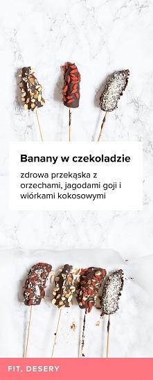 Przepis na banany w gorzkiej czekoladzie. Zdrowa przekąska z orzechami, jagod...