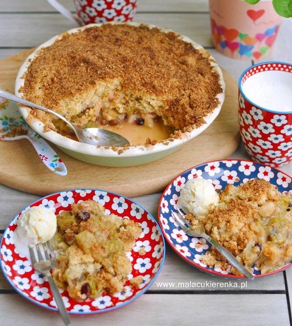 Kokosowa kruszonka z rabarbarem i jabłkami. Przepis po kliknięciu w zdjęcie.