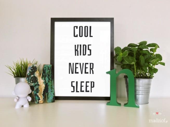 Grafiki idealne do dziecięcego pokoju – do pobrania i wydrukowania.