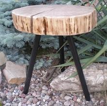 stołek na metalowych nóżkach