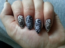 Lace nails :)