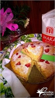 Pyszne ciasto z truskawkami (na owocowo-naturalnych jogurtach) Przepis po kliknięciu w zdjęcie