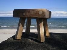 stołek i morze