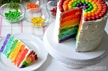 Tęczowy tort na Dzień Dziecka - przepis po kliknięciu na zdjęcie :)