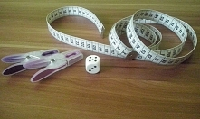 Gra matematyczna dla dzieci przedszkolnych i wczesnoszkolnych :) Opis znajdziecie po kliknięciu w zdjęcie.