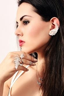 Piękna biżuteria BERYL. Modne nausznice, pierścionki na dwa palce oraz biżuteria w kształcie skrzydeł oraz liści. Biżuteria wykonana ze srebra najwyższej próby 925 oraz uszlache...