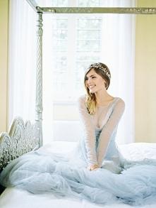 Inspiracje tygodnia: wielki błękit! Więcej na blogu Madame Allure :)  fot. Julia Kaptelova