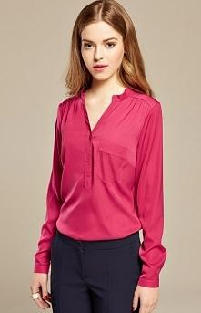 Misebla M0156 bluzka fuksja Elegancka bluzka, klasyczny i kobiecy fason, dekolt V, długi rękaw