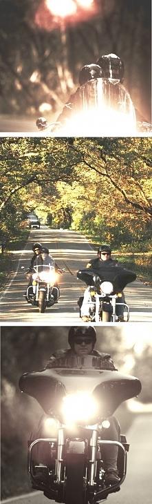 Wczoraj, gdy wracaliśmy z jeziora Shadowką nasunęła mi się pewna myśl, która towarzyszyła mi przez większość drogi powrotnej: Jazda motocyklem jest jak wesołe miasteczko, pełne ...