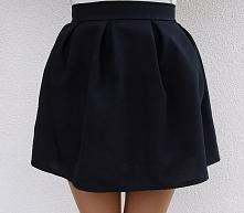 czarna spódnica rozkloszowana