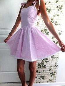 słodka sukienka rozkloszowana :)