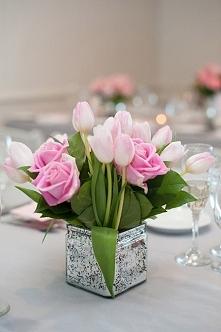 Tulipany w bukiecie ślubnym - hot or not?  fot. Robert and Kathleen Photographers  Więcej na blogu Madame Allure! :)