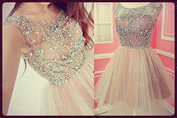 Czy ktokolwiek ma namiary na tą sukienkę? Nie chodzi mi to u żadne alliexpressy i inne tego typu strony, tylko coś pewnego. Bardzo mi zależy, bo muszę ją mieć!