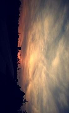 piękny zachód słońca.